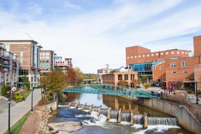 THE FALLS, GREENVILLE, SC FOR APPLE ADVERTISING